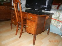 Beautiful & Graceful Antique Tiger Oak - Quartersawn Partner's Desk w/Glass Top in Alamogordo, New Mexico