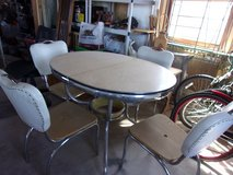 '50's Chrome Dinette set in Yucca Valley, California