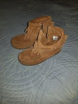 Minnetonka double fringe side zip boots ~ size 8 toddler in Houston, Texas