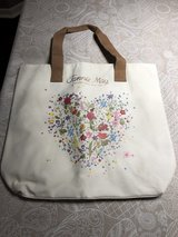 New Fannie May Tote Bag in Glendale Heights, Illinois