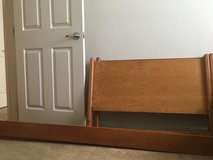 Bed twin xl ( headboard/footboard/rails) in Leesville, Louisiana