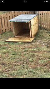 hand crafted dog house large in Morris, Illinois
