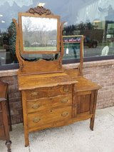 Antique Double Wash Stand in Fort Leonard Wood, Missouri