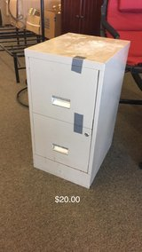 Filing Cabinet (No Keys) in Fort Leonard Wood, Missouri