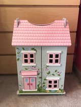 Cute Wooden Dollhouse w/ Accessories EUC in Travis AFB, California