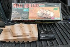 1/20 SCALE CMI DESERT STORM M1A1 ABRAMS MAIN BATTLE TANK WITH BOX in Orland Park, Illinois