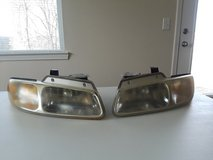 Headlights for Chrysler Town and Country in Fort Leonard Wood, Missouri