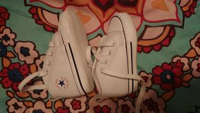 Converse Crib shoes white in Beaufort, South Carolina