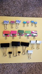 20 binder clips in Joliet, Illinois