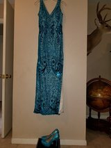 Sequin hand beaded lace over satin lined prom dress formal party dress PERFECT CONDITION in Baytown, Texas