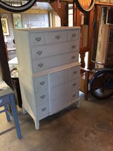 antique 6 drawer chalk painted dresser in Cherry Point, North Carolina