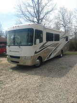 2006 Thor motorhome in Fort Leonard Wood, Missouri