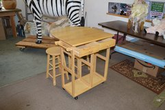 Drop Leaf Table Small Kitchen Table w/ 2 stools in Fort Lewis, Washington