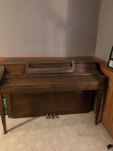Spinet Piano in good shape but could stand a tuning. in Joliet, Illinois