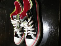Converse size 9 women size 7 men in Wilmington, North Carolina