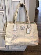 Coach Cream Patent Leather in Fort Campbell, Kentucky