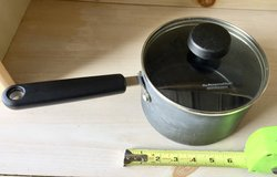Pampered Chef 2 Qt Professional Cooking Pot Sauce Pan w/Glass Lid in Oswego, Illinois