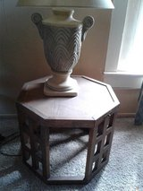 End Table and lamp in Alamogordo, New Mexico