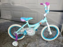 "16"" bike w/ training wheels in Spring, Texas"