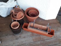 Assorted Planters, Various Sizes/Shapes in Stuttgart, GE