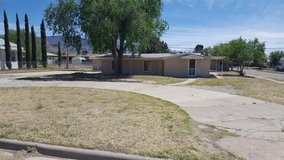 Tri-Plex Apartment Building w/ Seller Financing and Great Cash Flow--For Sale!!! in Alamogordo, New Mexico