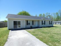 200 Auburn Ct - Minutes from MCAS New River in Camp Lejeune, North Carolina