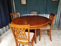 Solid wood round Pedestal dinning table and hardwood chair set in Fort Campbell, Kentucky