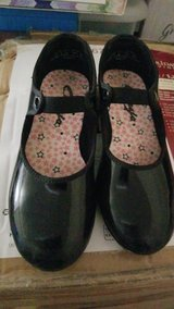 Girl Tap Shoes in Yucca Valley, California
