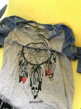 dream catcher misses shirt in Wiesbaden, GE