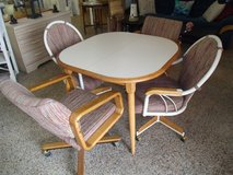 Dining Table & Chairs in Wilmington, North Carolina