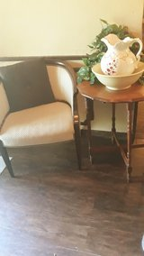 Entry table and chair in Cleveland, Texas