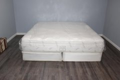 King size mattress- Organic cotton-Serta in Spring, Texas