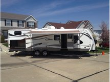 Cougar XLite Travel Trailer in Oswego, Illinois
