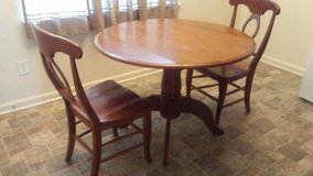kitchen table and 2 chairs in Leesville, Louisiana