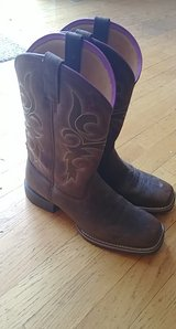 cowboy boots - women's in Naperville, Illinois
