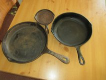 3 Cast Iron Skillets Benjamin Medwin  and more in 29 Palms, California