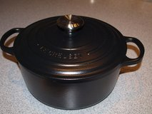 New Le Creuset (France) Cast Iron Pot 24cm in Wiesbaden, GE