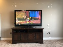 TV stand in Chicago, Illinois