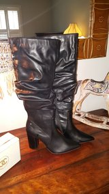 Vera wang black boots in Chicago, Illinois