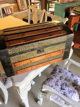 antique mini chest Perfect condition in Cherry Point, North Carolina