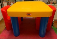 little tikes table and chairs in Moody AFB, Georgia