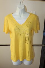 New with Tags Yellow Small Womand Vneck Top in Kingwood, Texas