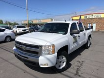 2010 CHEVROLET SILVERADO LT 1500 PIKUP 4D V8 FLEX FUEL5.3  Liter in Fort Campbell, Kentucky