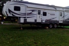 Toy Hauler-Puma Unleashed by Palomino Fifth wheel 35 ft in Cleveland, Texas