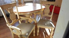 Vintage -Pineapple Table and Chairs, Leaf! Sturdy & Awesome in Chicago, Illinois
