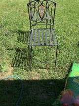 Outside table and chairs in Spring, Texas