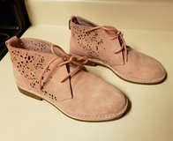 Womens Size 7 Pink Suede boots in Byron, Georgia