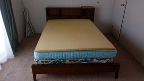 Bed/DRESSER/with mirror in Alamogordo, New Mexico