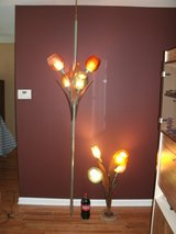 Vintage Tension Pole Lamp & Matching Table Lamp in Glendale Heights, Illinois