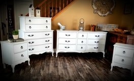 Refinished dresser & nightstand set in Bolingbrook, Illinois